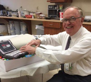 Dr-Bismayer-with-his-retirement-cake-2016-OHC