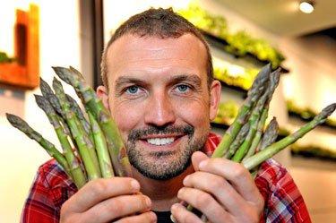 Man-Asparagus-Recipe-Cancer-Myth